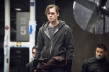 """Arrow -- """"Monument Point"""" -- Image AR421a_0024b.jpg -- Pictured: Alexander Calvert as Lonnie Machin/Anarky -- Photo: Dean Buscher/The CW -- © 2016 The CW Network, LLC. All Rights Reserved."""